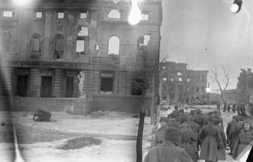Сталинградский Дворец Пионеров, 1943